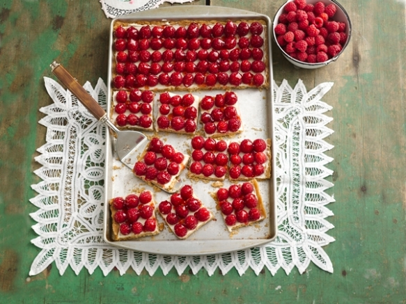 fresh raspberry tray tart